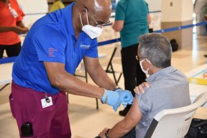 Dr Lee recieves 2nd dose COVID vaccine